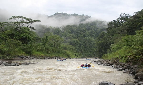 best-river-rafting-pacuare