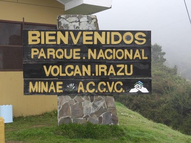 national-park-irazu-volcano