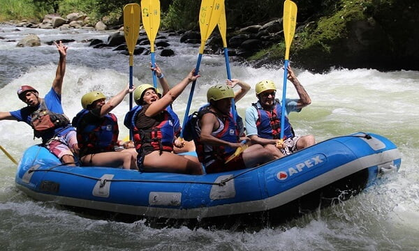 water rafting pacuare