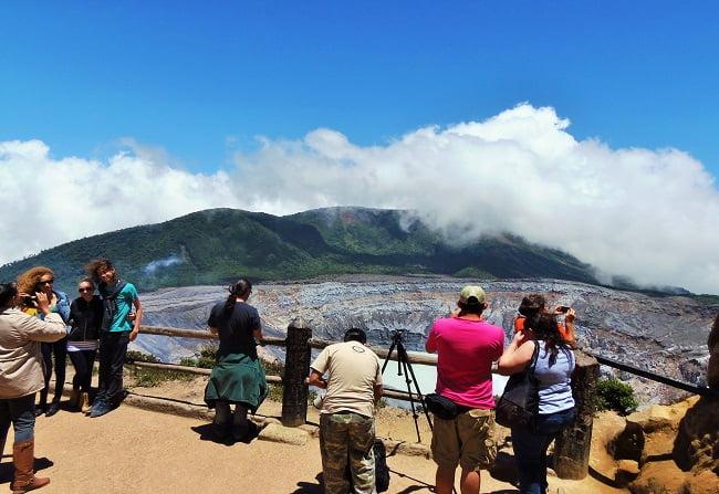 volcano-poas-tour