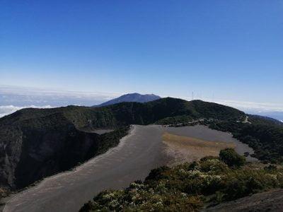 costa rica irazu volcan