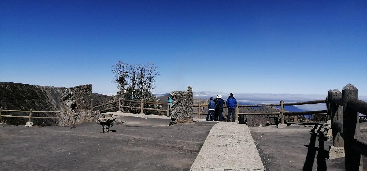 irazu-volcano-trip