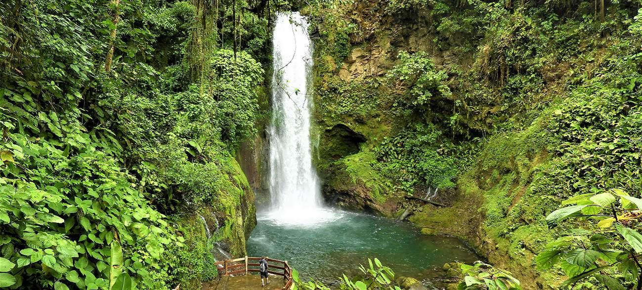 La Paz waterfall & Gardens