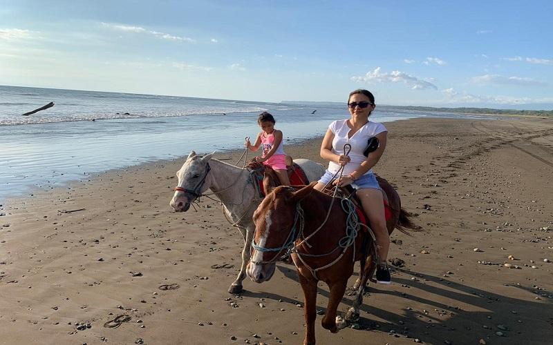 horseback riding Tarcoles